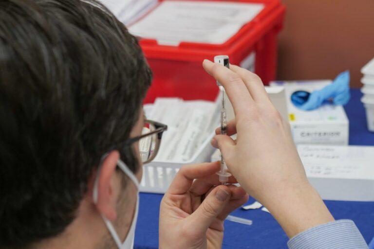 COVID-19 vaccine in Dubai